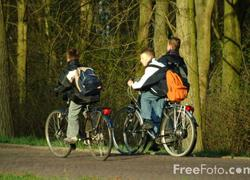 Normal_fietsen_scholieren_studenten_fiets_weer