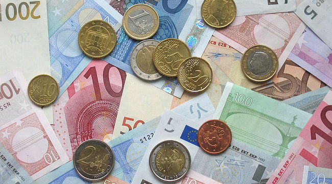 Carousel_geld_briefjes_munten__-c_-euro_coins_and_banknotes